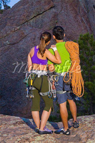 Für die Paar / Outdoorbilder könnt ihr Sportsachen, Wanderutensilien etc. mitbringen was eure Freizeitaktivitäten ausmacht und wir sehen was wir daraus machen können ;-)