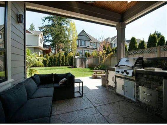 2788 162 Strret, South Surrey, BC, V3S 8E4 listed by Rob Bowker   RESAAS