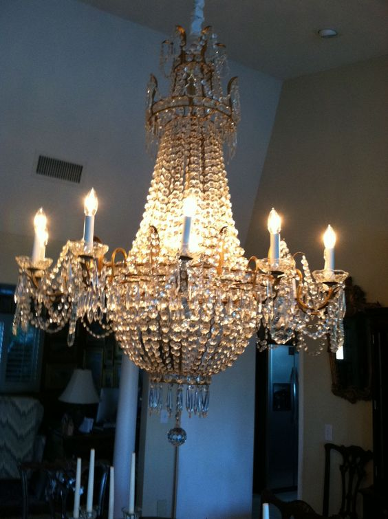 Liberace S Chandelier Bought At Estate Sale In Palm