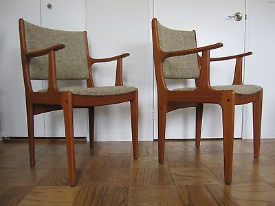 PAIR OF DANISH MODERN DINING ARM CHAIRS