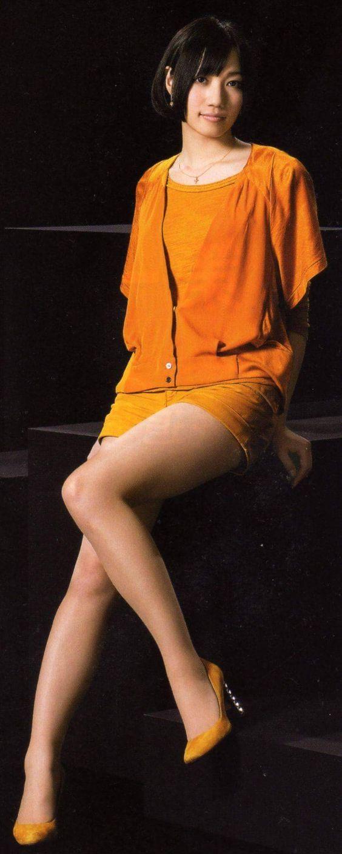 オレンジの衣装を着ているのっち