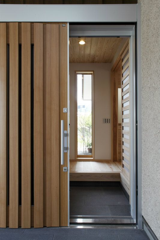 とらいあんぐる 鹿児島で家を建てる住まいず写真集 現代的な玄関ドア