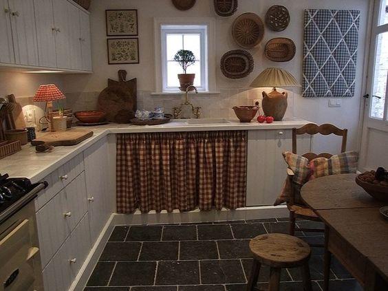 style belge j 39 aime le tissu sous l 39 vier cuisine pinterest facebook placards et poterie. Black Bedroom Furniture Sets. Home Design Ideas