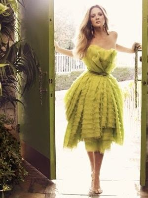 first of all, Drew is beautiful here, second that dress is cool and third, the chartreuse is awesome.