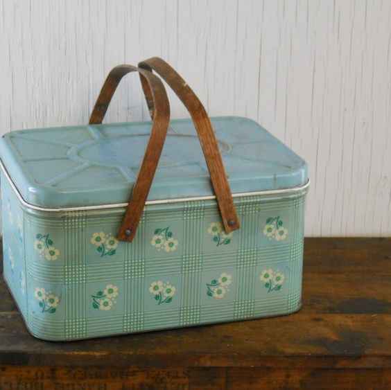 I can't get enough of these tin baskets