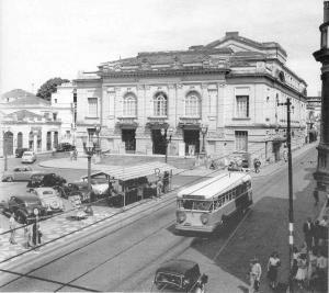 Teatro Municipal de Campinas - Projeto do arq Ramos de Azevedo - Inaugurado em 10 de Setembro 1930, inicialmente chamado de Teatro São Carlos, a partir de 1950 passou a chamar-se Teatro Carlos Gomes. Demolido em 1965 na administração do Pref Rui Novais