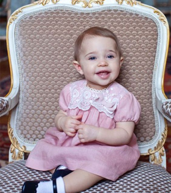 La Princesa Madeleine comparte tiernas fotografías de su primogénita Leonore por su primer cumpleaños