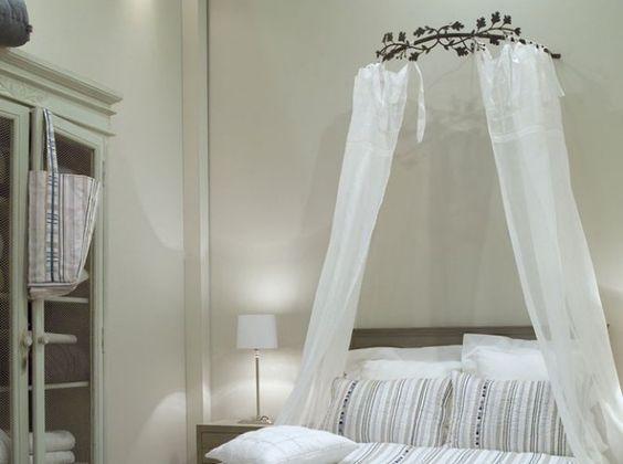 Ciel de lit blanc d voire