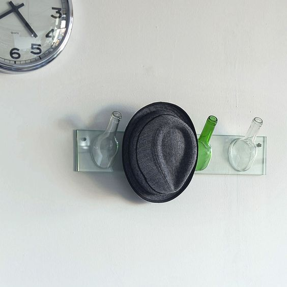 hanging coat rack by lucirmás