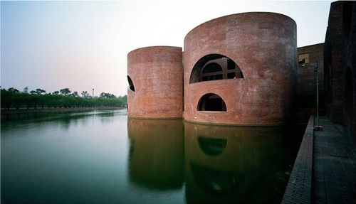 Louis Kahn - National Assembly Building, Dhaka 1961-1882.