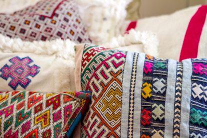 coussin-kilim-marocain-bohème-ethnique-coloré-berbère-tribal: