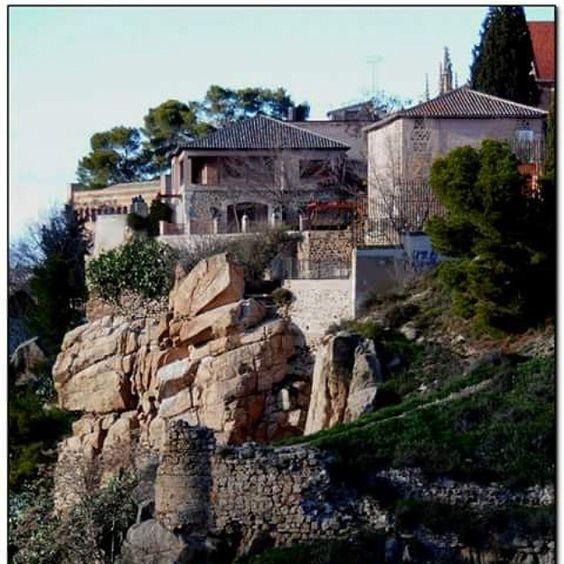 Roca tarpeya y casa museo victorio macho toledo mis 70 for Roca toledo