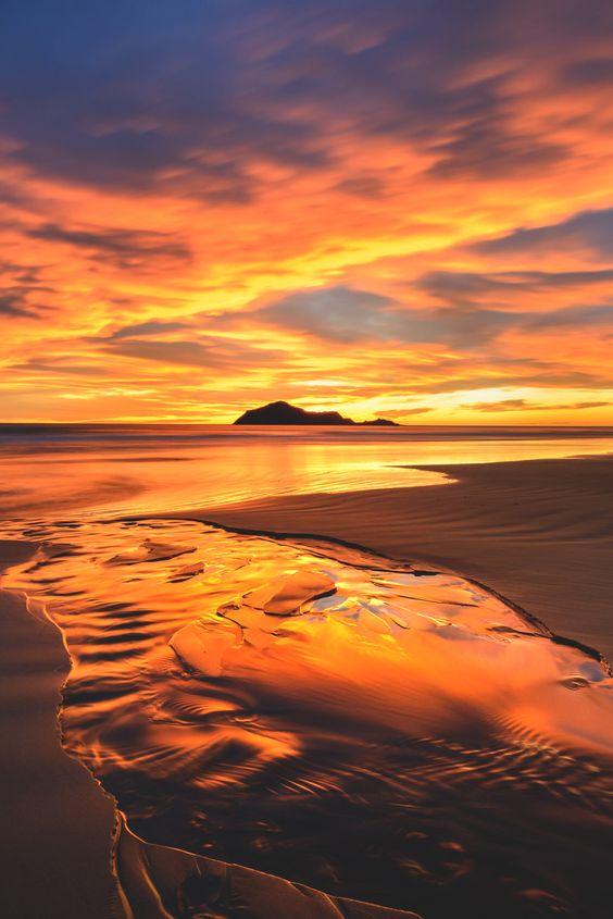 Waimarama Beach, Hawke's Bay, New Zealand (Photo by Andrew Caldwell, Flickr) | Travel to Paradise, Beach Sunsets