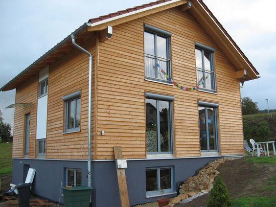 Holzhaus mit Vorbaurollladen, Vorsatzrollladen, Aufsatzrollladen