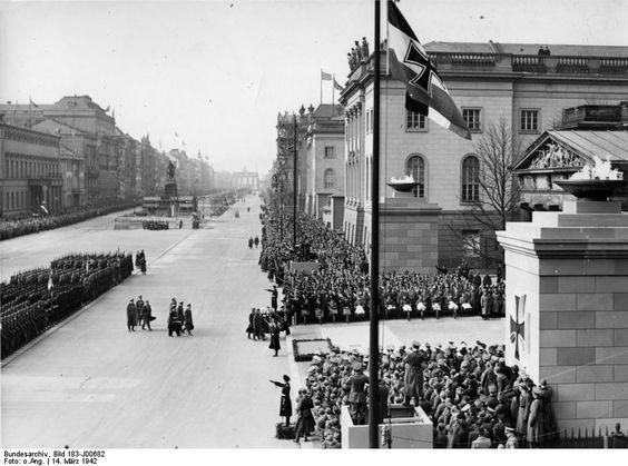 Erich Raeder, Wilhelm Keitel, Erhard Milch, Heinrich Himmler, Friedrich Fromm, and Georg-Hans Reinhardt during Memorial Day ceremony, Berlin, Germany, 14 Mar 1942 (German Federal Archive)
