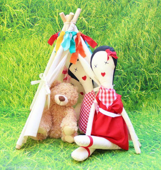 Tipi de las muñecas picniqueras para guardar peluches y para pequeñas mascotas disponible en nuestra shop