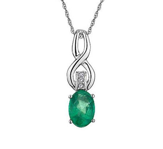 Buy Sanskruti Diamond Gemstone Pendant @1,640 #PendantsJewelry #goldpendents #buyonlinependants #designer #jewellery #women #gold #diamond