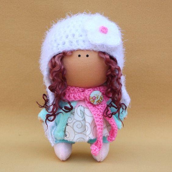 Еще одна Масечка  Рост 16 см . Домик нашла #handmad#кукла#кукларучнойработы#toy#интерьернаяигрушка#baby#decor#ткань#интерьернаякукла#dolls#куклы#ручнаяработа#интерьерныеигрушки#artdoll#рукоделие#шитье#своимируками#игрушка#тильда#handwork