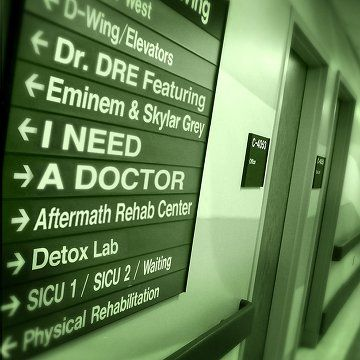 Dr. Dre Featuring Eminem & Skylar Grey – I Need A Doctor (2011) - FLAC - http://cpasbien.pl/dr-dre-featuring-eminem-skylar-grey-%e2%80%8e-i-need-a-doctor-2011-flac/