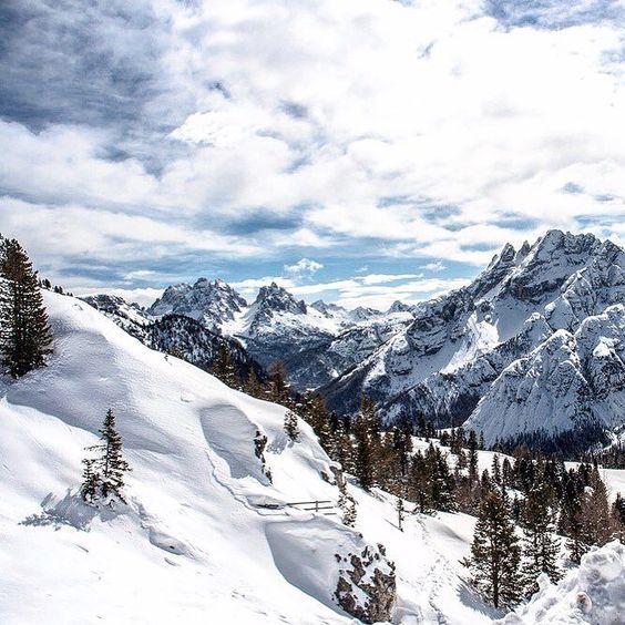 Wie schön das war! Ich muss definitiv mal wieder in die Berge!  #nature #landscape #travel #sky #beautiful #hiking #clouds #adventure #love #view #mountain #instagood #photooftheday #snow #naturelovers #amazing #wanderlust #outdoors #picoftheday #explore #trip #winter #alps #hike #photography #instatravel #traveling #travelgram
