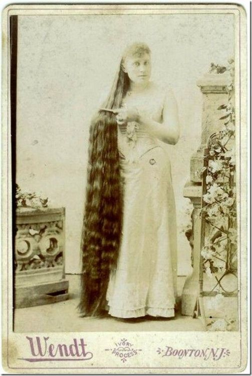 Greetings My Sweetest Of Hearts I Haven T Got Much To Say Today Just Been Thinking About Hair Is T Long Hair Styles Vintage Hairstyles Worlds Longest Hair