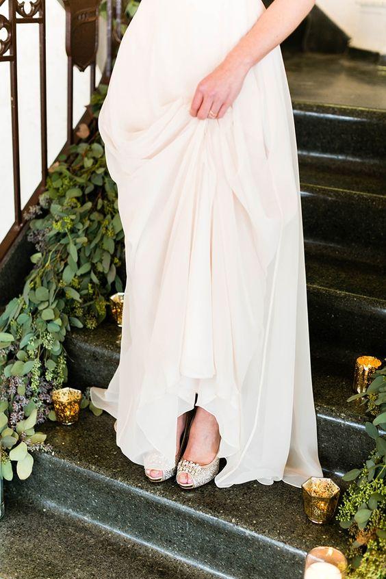 Brideside bridesmaid dresses | Emilia Jane Photography | Glamour & Grace #aislesociety #brideside #ASforBrideside #styledbyaislesociety #thebankonbroadway