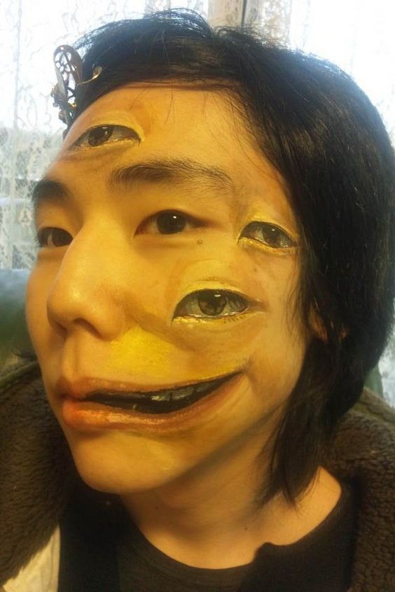 Chooo San amazing Body Art on face