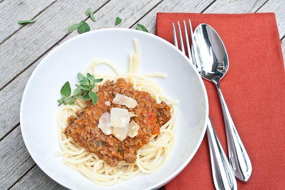 spaghetti bolognese by Delishhh,http://delishhh.com