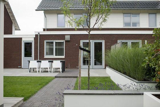 Stoelen nederlands and achtertuinen on pinterest for Kindvriendelijke tuin ontwerpen