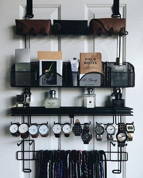 Acessórios masculinos organizados: faça isso em um organizador de box, que serve tanto para guardar perfumes, quanto acessórios, lenços ou gravatas