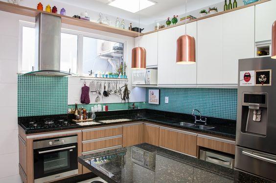 Kitchen by Adoro Arquitetura