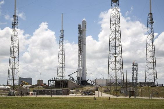 Watch live: SpaceX takes another crack at launching, landing today - http://www.sogotechnews.com/2016/05/27/watch-live-spacex-takes-another-crack-at-launching-landing-today/?utm_source=Pinterest&utm_medium=autoshare&utm_campaign=SOGO+Tech+News