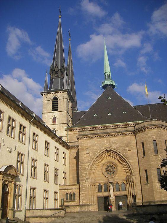 Catedral de Notre-Dame de Luxemburgo. ◆Luxemburgo – Wikipédia http://pt.wikipedia.org/wiki/Luxemburgo #Luxembourg