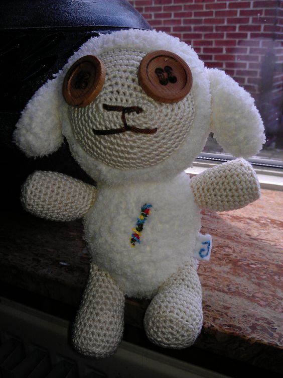 "Cotton from ""Oblivion Island"" van All About Ami (amigurumi sheep)"