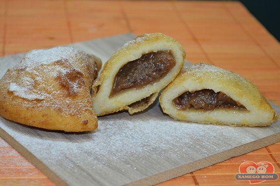 http://xamegobom.com.br/receita/risoles-de-cajuzinho/ Prepare um Docinho de Festa delicioso e irresistível, o Risoles de Cajuzinho.