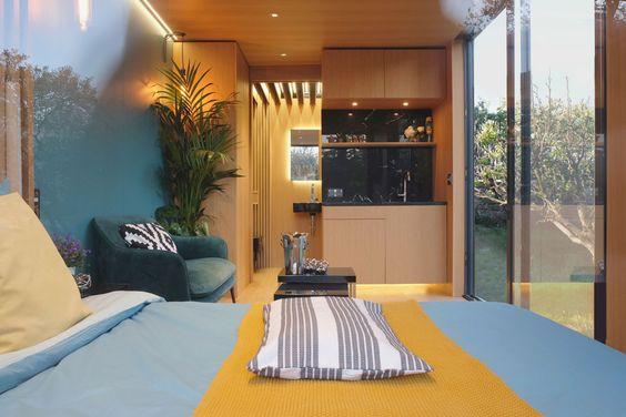 Cette Petite Maison En Bois De 17m2 Est Vendue A Un Prix Tres Abordable Planete Deco A Homes World En 2020 Petite Maison Bois Maison Bois Deco D Interieur Bon Marche