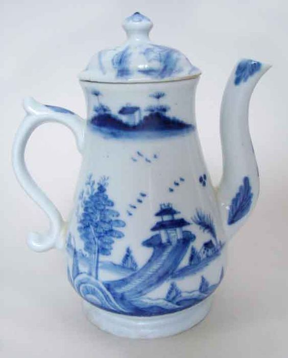 The Worcester coffee pot from c.1752 that sold at Tunbridge Wells ...