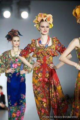 Dresses made out of Pavlovo Posad shawls by Slava Zaitsev