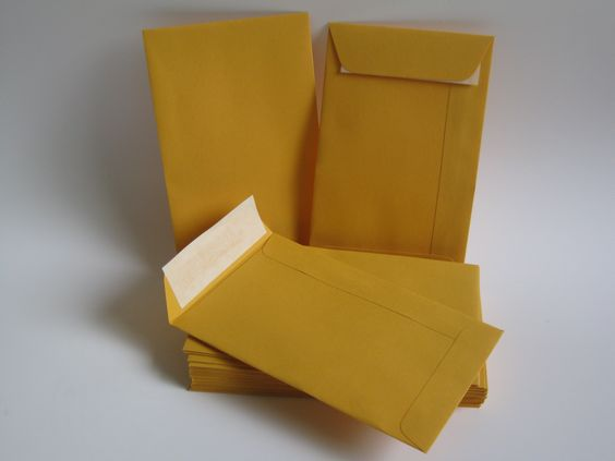 Seed Pocket Envelopes are a type of envelope that is smaller than the ones we all use in our day to day lives such as a DL envelope (size 220 x 10mm) or a C4 sized envelope (size 324 x 229mm).
