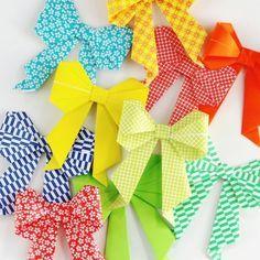 Este laço de origami é fofo e pode ter o estilo que você desejar.