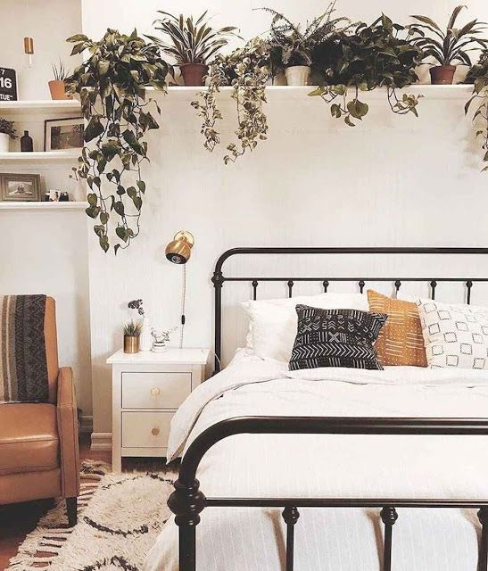 50 First Apartment Decorating Ideas On A Budget Dooys Apartment Bedroom Decor Small Bedroom Decor Small Apartment Bedrooms