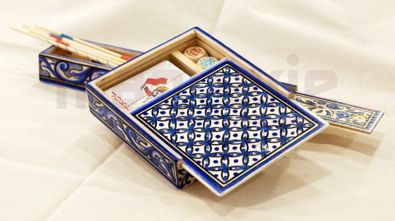 Handpainted traditional games by Isaura Marques