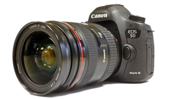 Passionnée de Photo depuis mon plus jeune age. J'ai eu mon premier appareil photo à l'age de 16ans, un Sony bridge et j'ai eu la chance de…