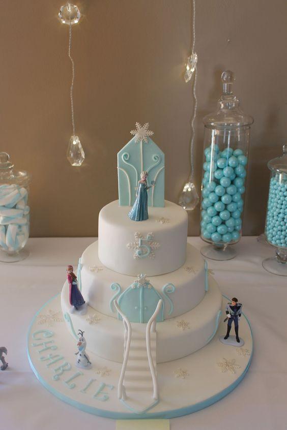 Queen Elsa Cake Design : Elsa cakes, Elsa and Frozen on Pinterest