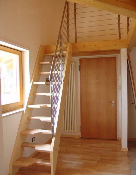 Escalera recta / con zancas laterales / para espacios pequeños STL 06 RIZZI