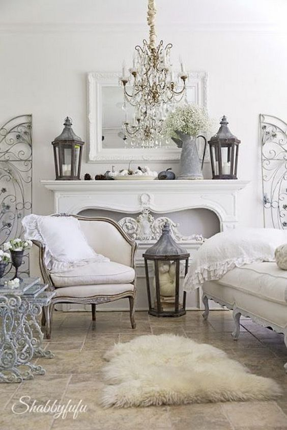 Vintage White Living Room Decorating Idea: