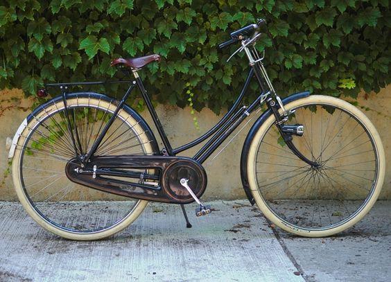 I want a cool looking bike....Bella Ciao Corvo Citta Donna (Patricia Imel)