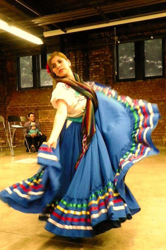 El Alma de la Luna Dance Company