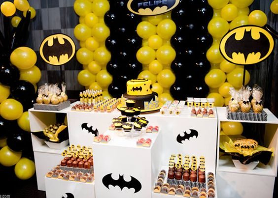Batman party ideas cumplea os amarillo decoraciones de - Ideas decoracion cumpleanos ...