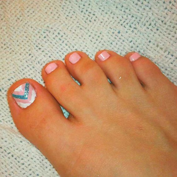 webbed toes,